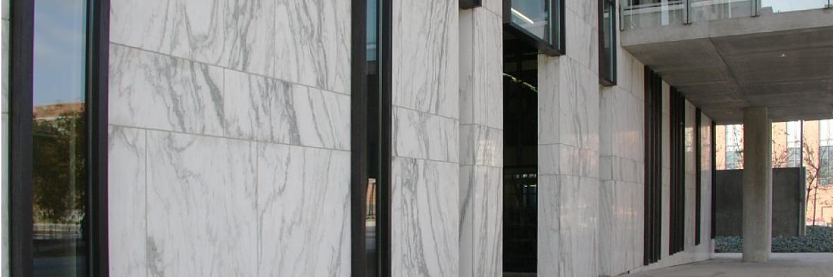 монтаж натурального камня на фасад